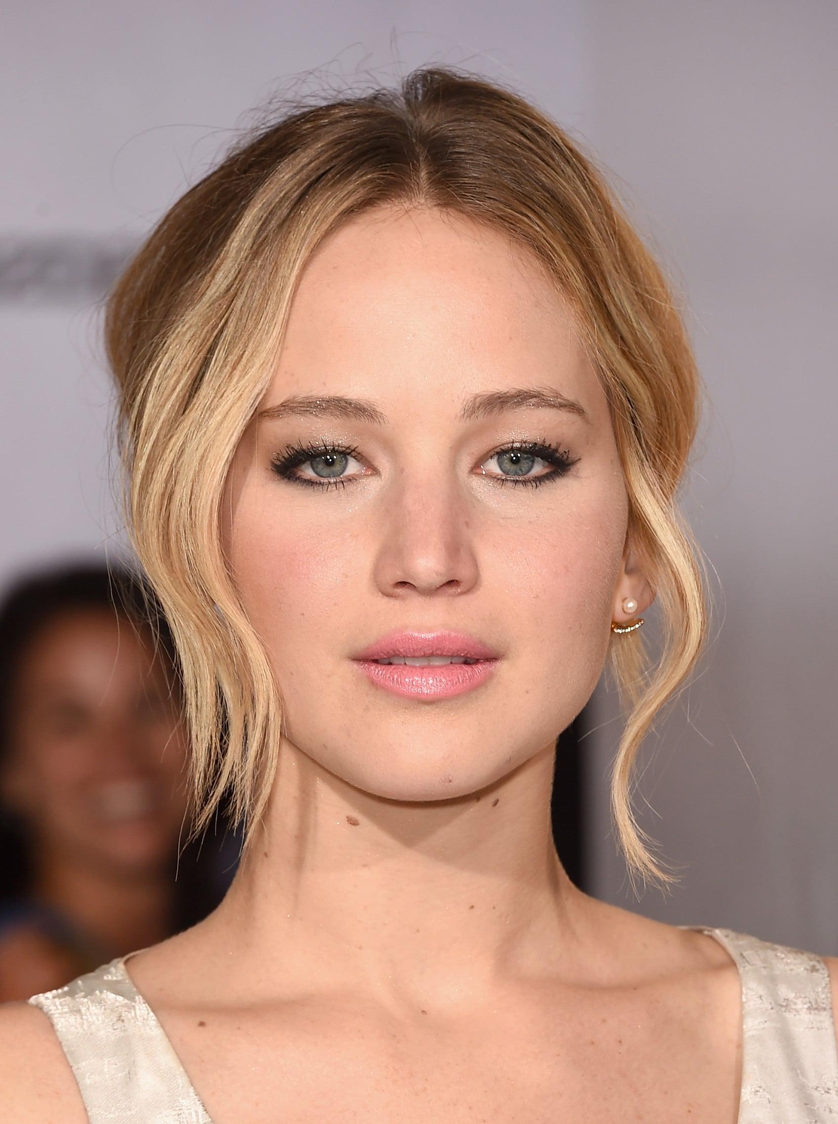 Jennifer Lawrence | Jennifer Anistons Bronzer Trick Will