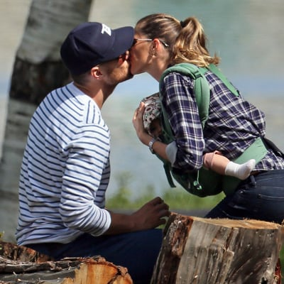 Tom Brady and Gisele Bundchen Kiss at a Boston Park
