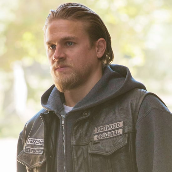Sexy GIFs of Charlie Hunnam in Sons of Anarchy