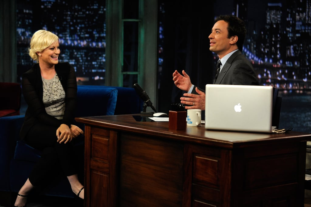 Amy Poehler and Tiger Woods Take a Swing on Late Night With Jimmy Fallon