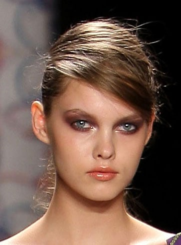 Nicole Miller Spring 2009 New York Fashion Week Hair and Makeup