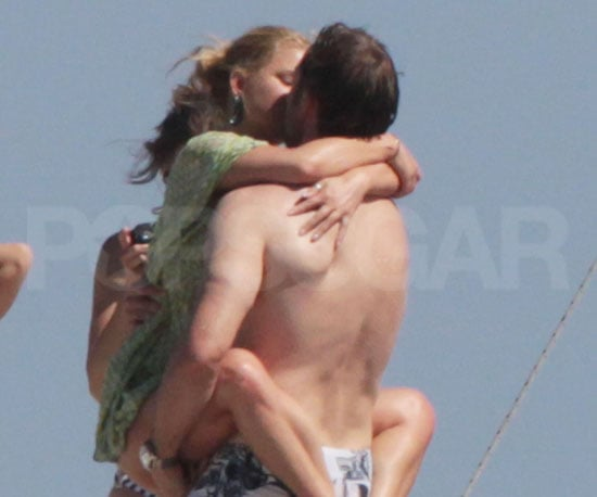 Pictures of Jessica Simpson and Boyfriend Eric Johnson Kissing