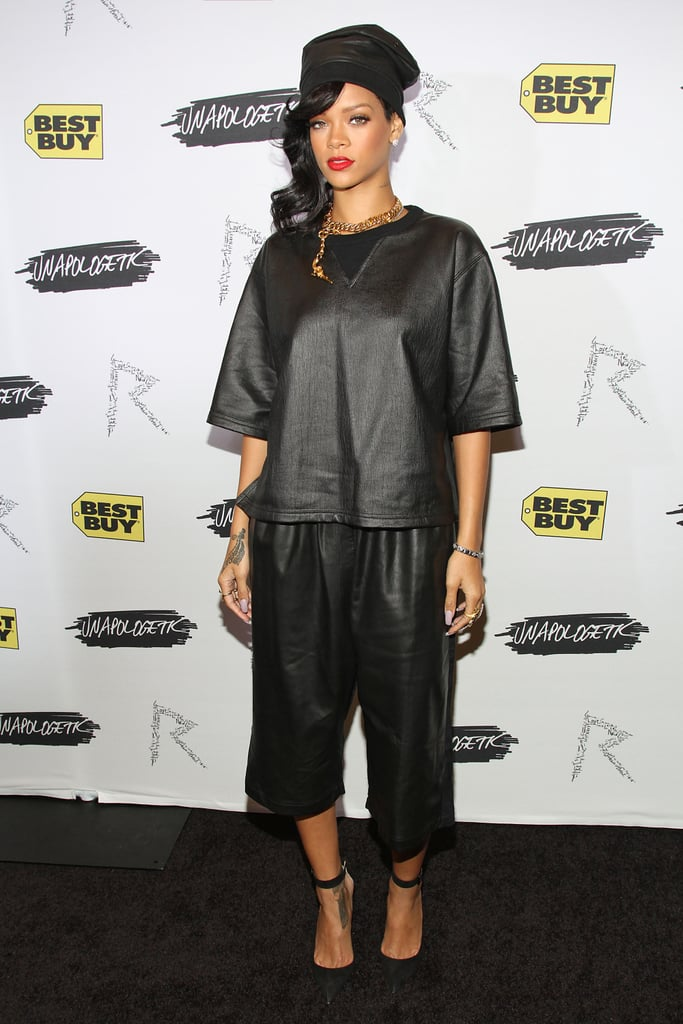 Rihanna was all dressed in black as she arrived at a meet-and-greet event in New York on November 20.