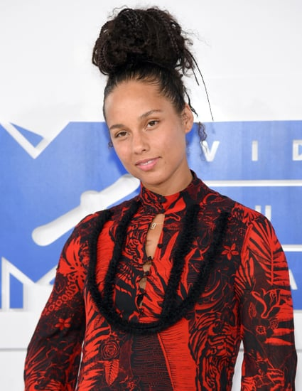 Alicia Keys Continues Her Makeup-Free Streak at the VMAs