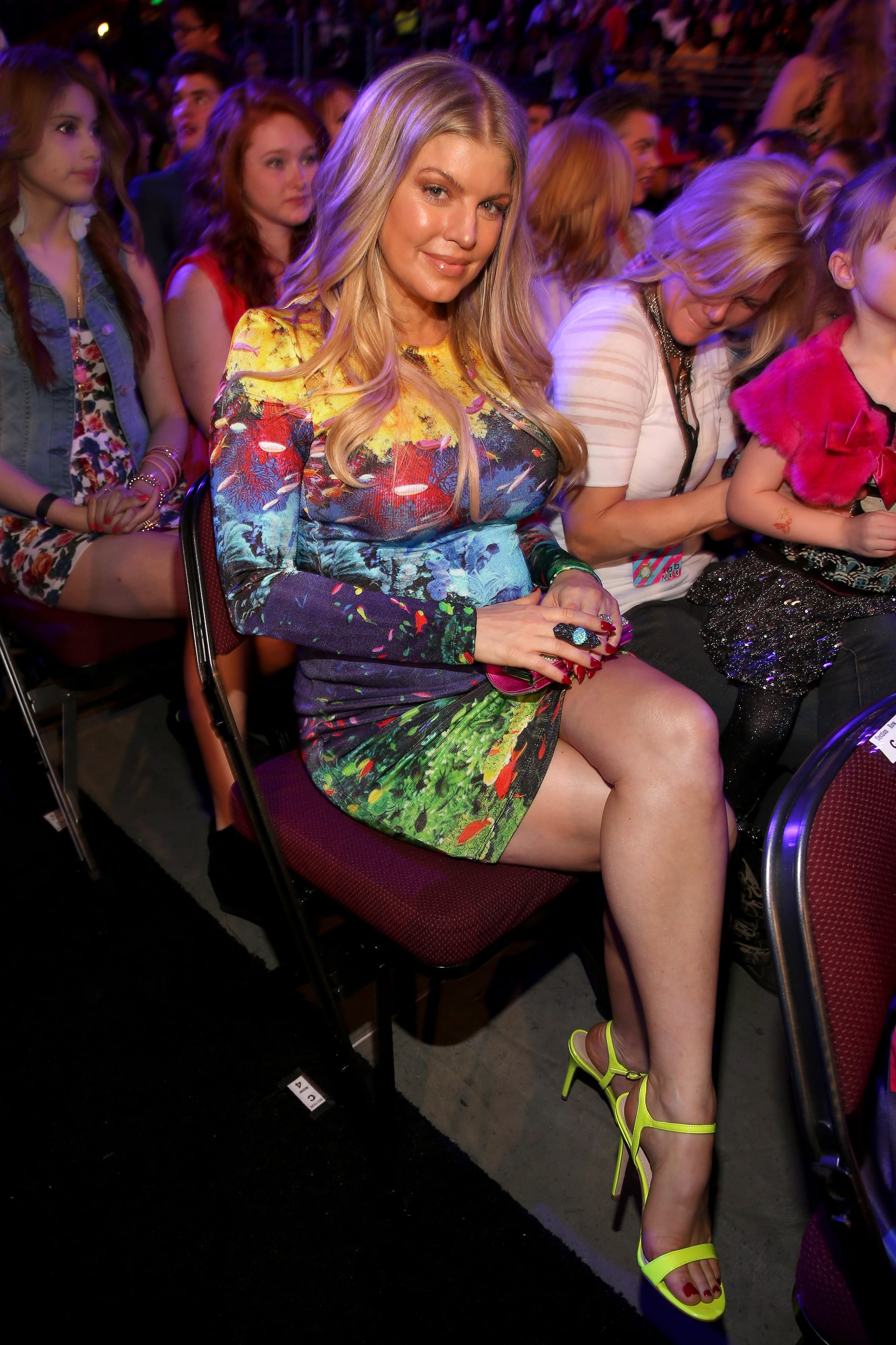 Pregnant Fergie took her seat in the audience at the Kids' Choice Awards.