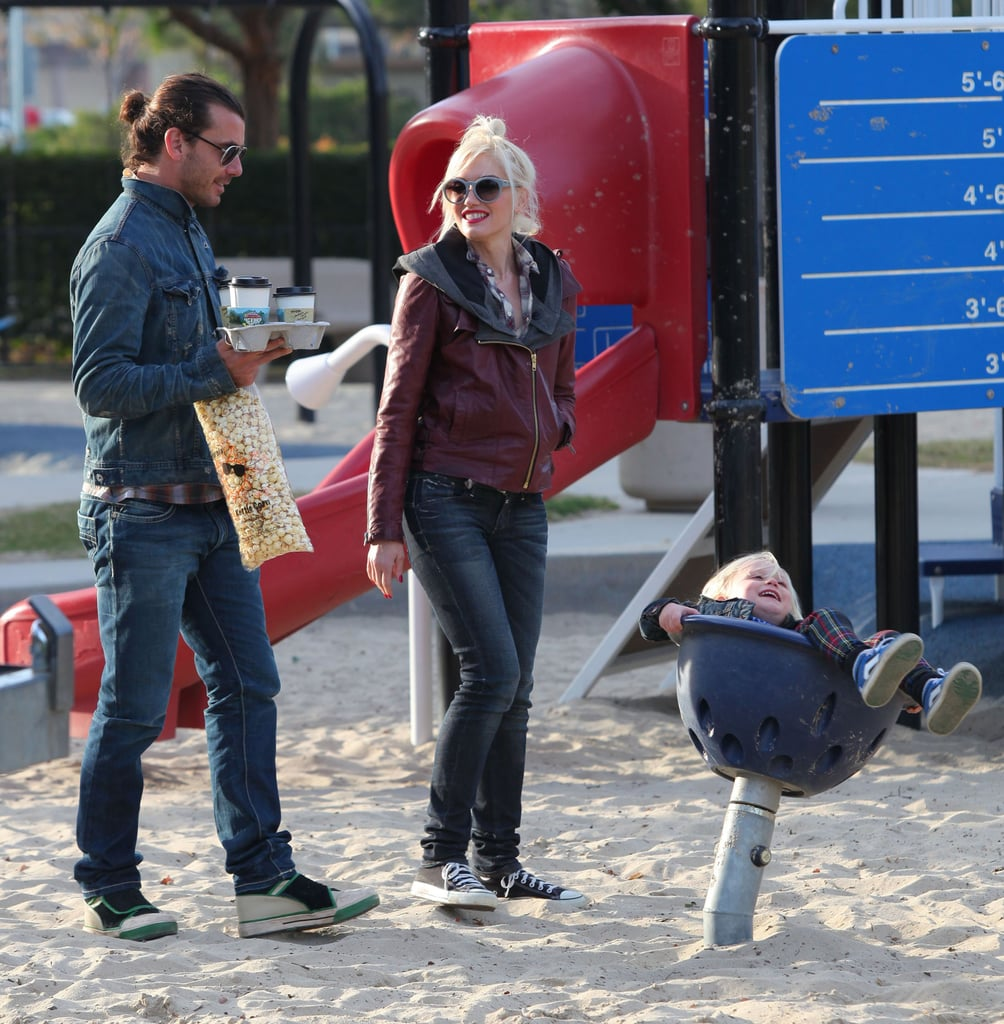 Gavin Rossdale toted popcorn and coffee as Gwen Stefani and Zuma Rossdale played in the sand.