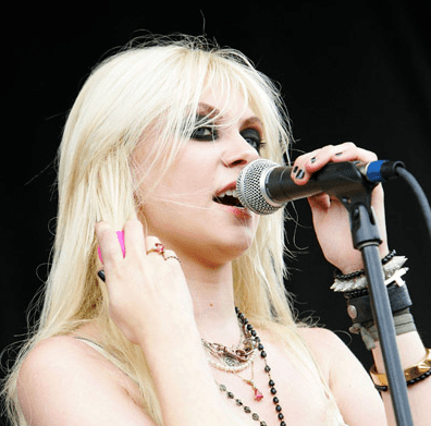 Taylor Momsen Is the Face of John Galliano's New Scent 2010-07-23 10:04:10