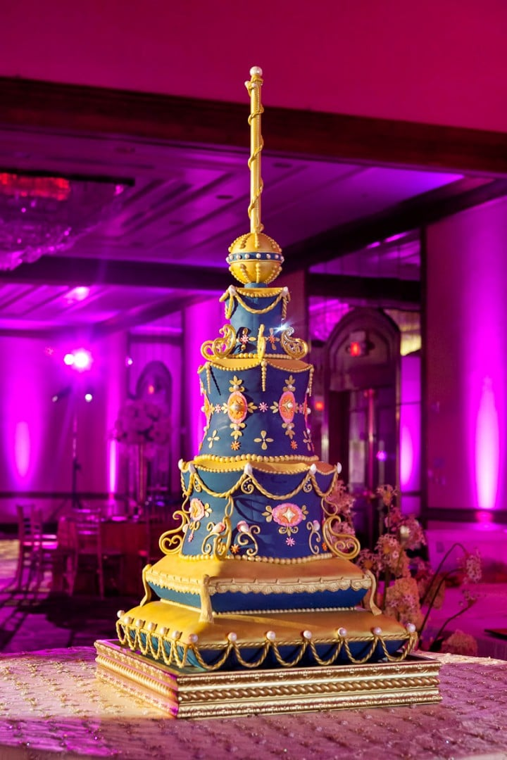Aladdin wedding cakes that channel your inner disney for Aladdin indian cuisine