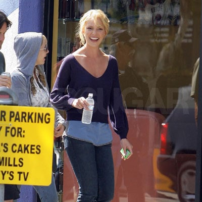 Katherine Heigl on the Set of The Ugly Truth 2008-04-15 22:48:09