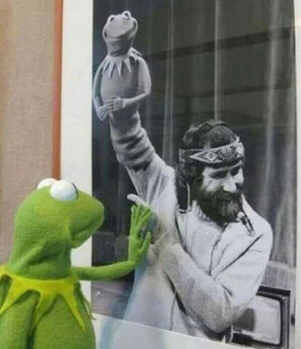 """""""RIP to Jim Henson, who died 24 years ago today."""" Source: Reddit user Hupflupper via Imgur"""