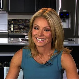 Kelly Ripa Discusses Technology and Family