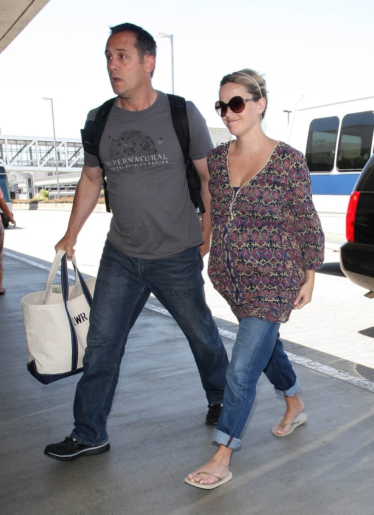 Reese Witherspoon headed into the airport in LA.