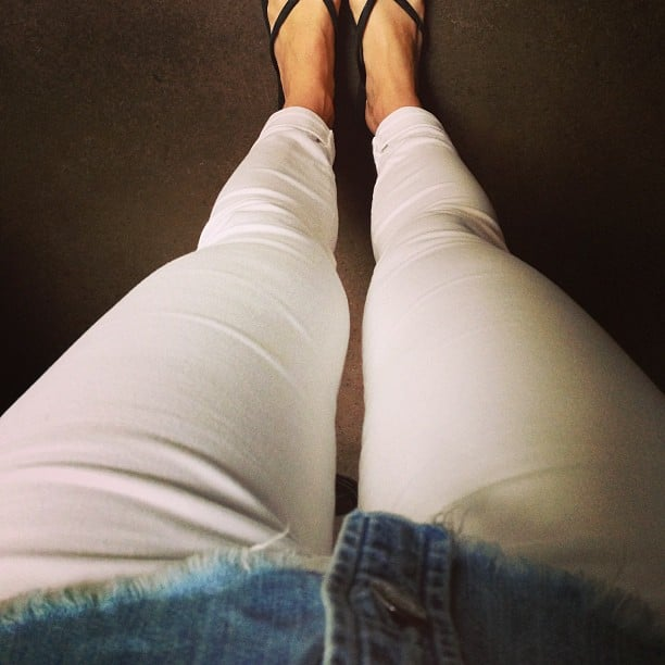The perfect canvas for food spillage, no? Ali braved white pants, and we think she looked absolutely divine in them!