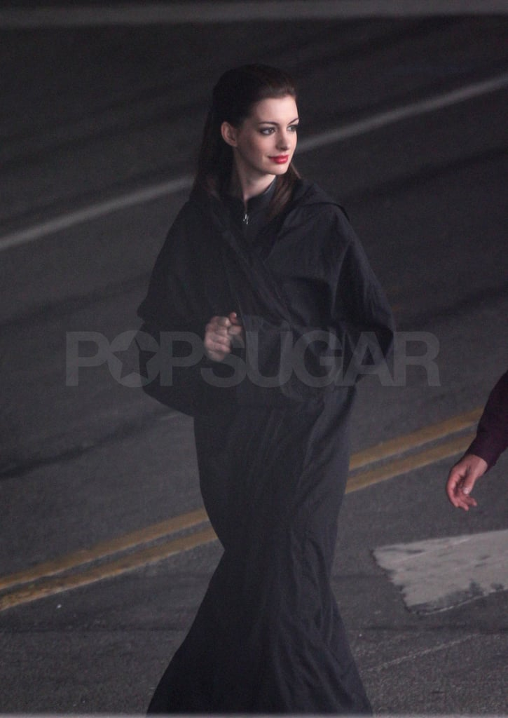 Anne Hathaway was dressed in black from head to toe.
