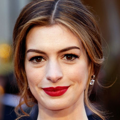 Behind the Scenes With Anne Hathaway's Oscars Makeup Artist