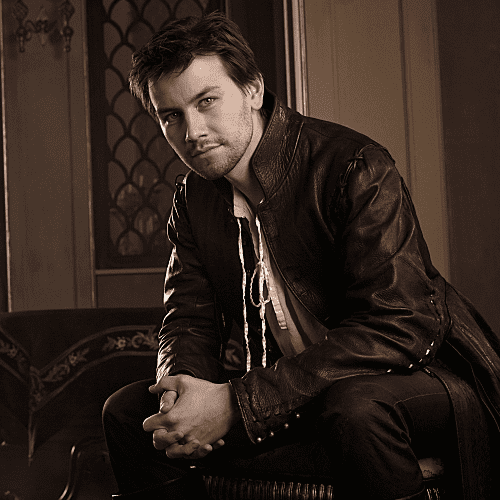 Hot GIFs of Bash From Reign