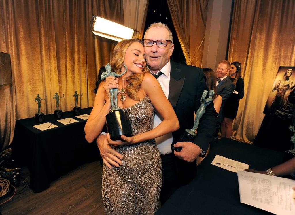 Sofia Vergara celebrated her Modern Family win with Ed O'Neill in 2014.