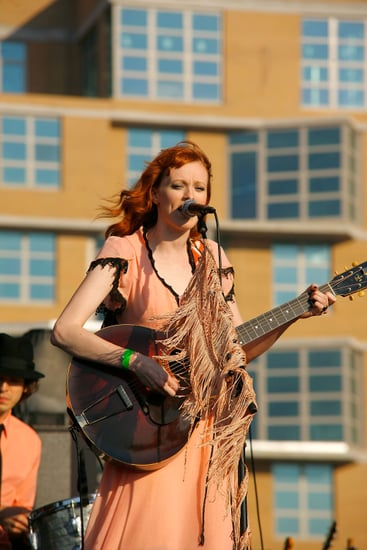Karen Elson Reportedly to Sing at Love Magazine's Spring 2011 London Fashion Week Party