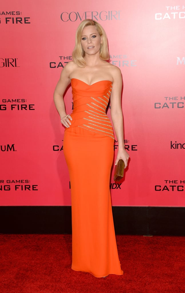 Elizabeth Banks wore a sexy, strapless gown.