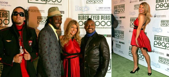 Fergie and Bandmates Like Peas in a Peapod