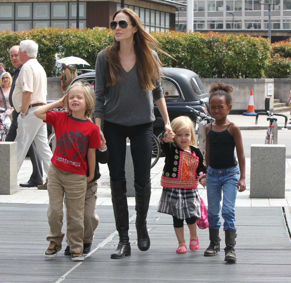 Angelina Jolie, Shiloh Jolie-Pitt, Zahara Jolie-Pitt,  and Vivienne Jolie-Pitt together.
