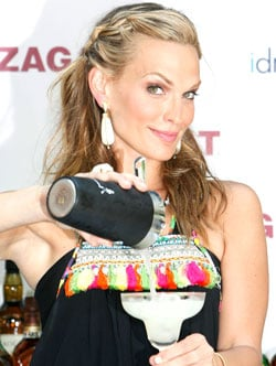 How-To: Molly Sims' Cocktail Party Makeup