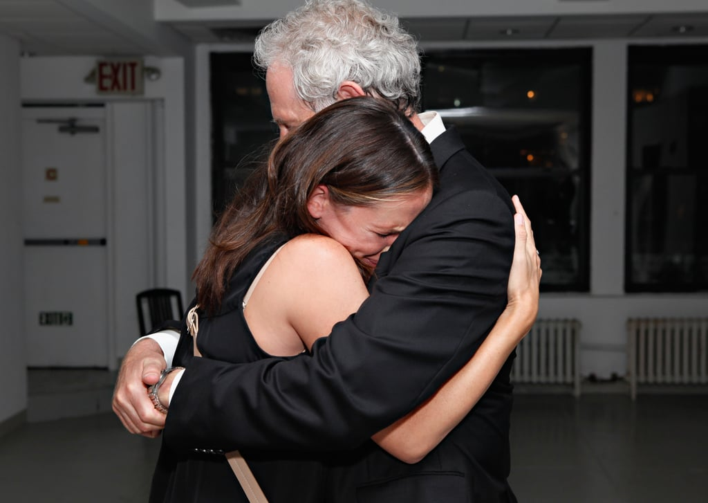 Jennifer Garner gave her former Alias costar Victor Garber, who is also Violet's godfather, a tight embrace after seeing his play in NYC in August.