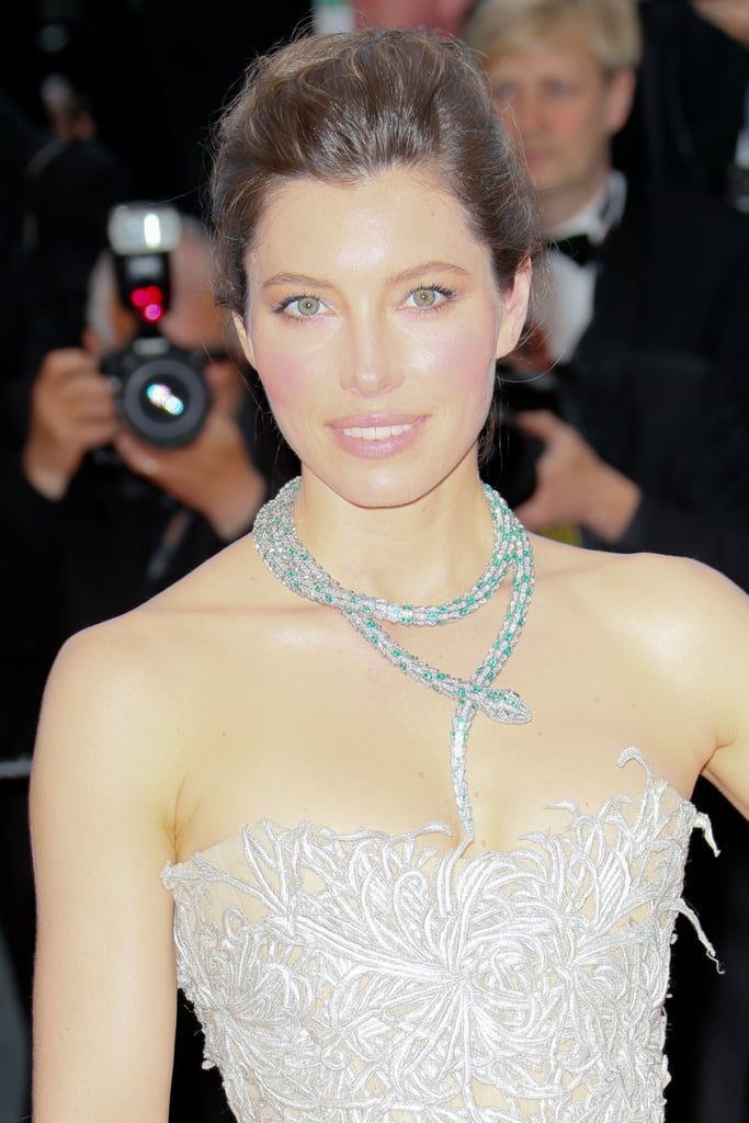 Jessica Biel wore a serpent-style diamond necklace.