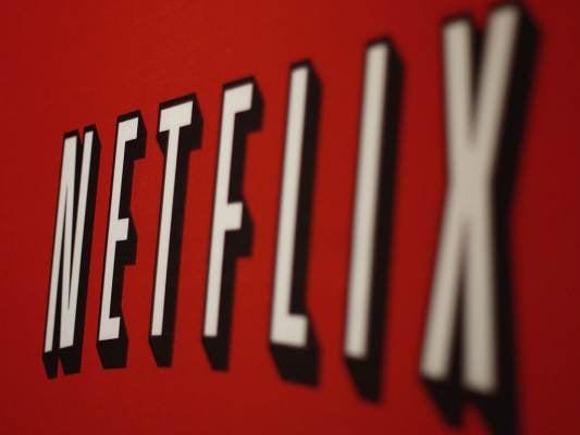 9 Netflix Hacks That Will Make Binge Watching Easier