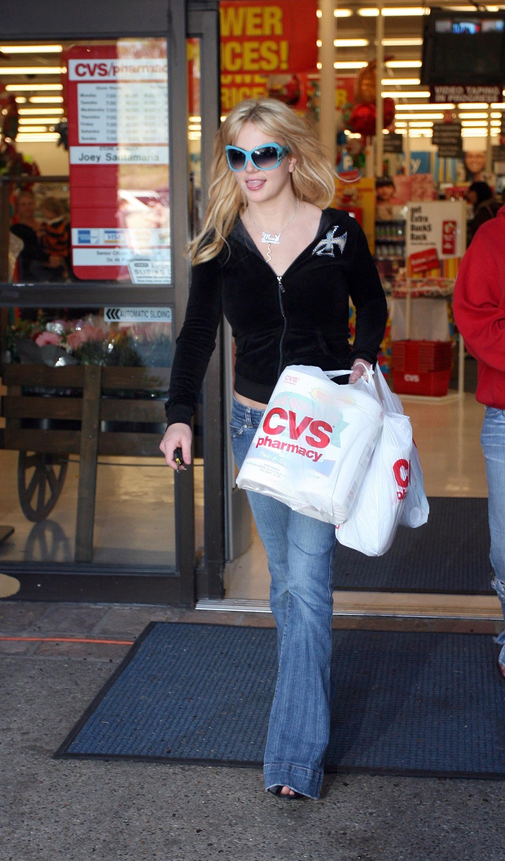 britney_spears_061129_26