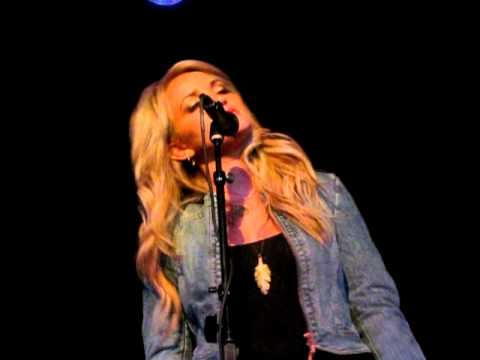 """Video: Watch Jamie Lynn Spears Sing a Song to Sister Britney Titled, """"I Look Up To You"""""""