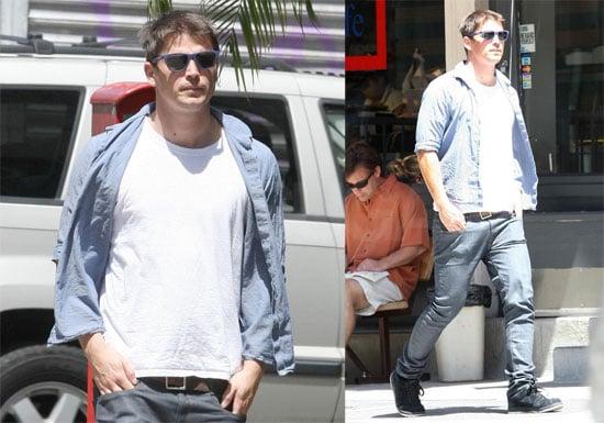 Photos of Josh Hartnett in NYC 2009-07-15 14:30:00