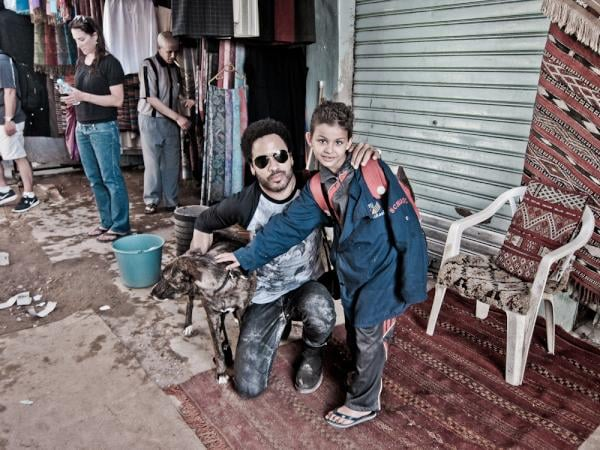 Lenny Kravitz and his dog, Leroy, made friends during a trip to Morocco.  Source: Twitter user LennyKravitz