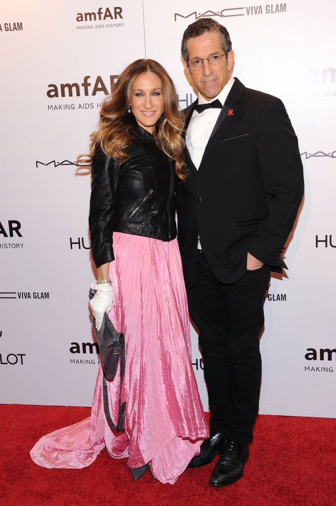Sarah Jessica Parker and Kenneth Cole posed at the 2012 amfAR gala in NYC.