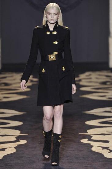 2011 Fall Milan Fashion Week Review: Versace 2011-02-28 13:39:36