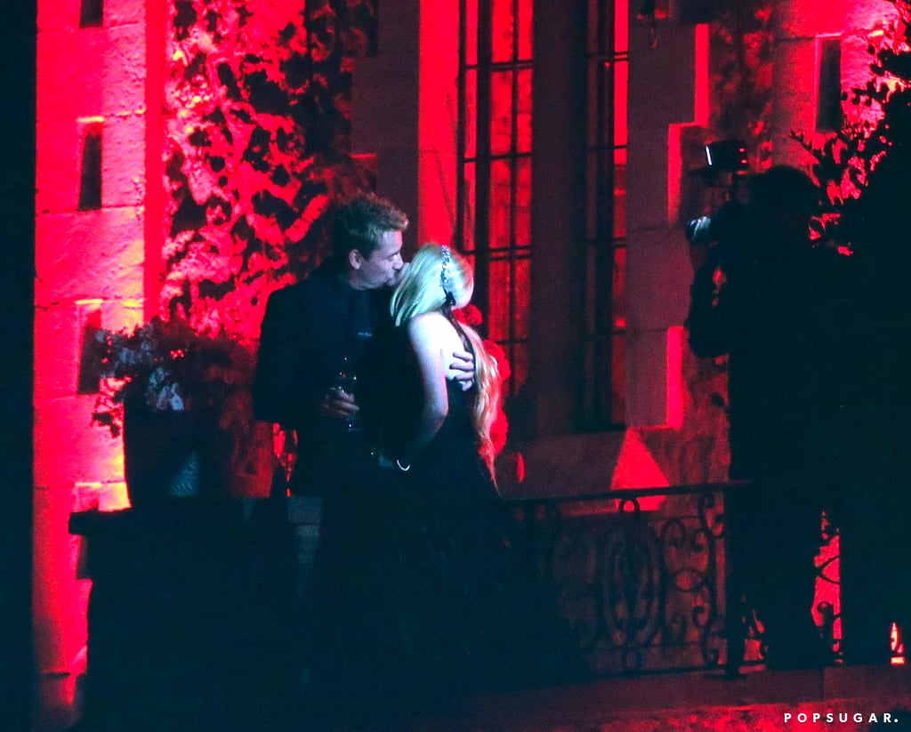 Avril Lavigne Marries Chad Kroeger in a Black Wedding Dress!