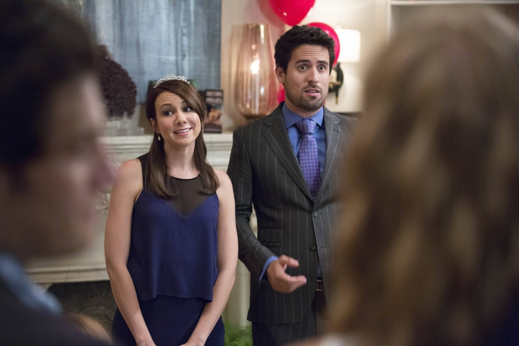 Guest star Tracey Wigfield looks to be a date of Jeremy (Ed Weeks).
