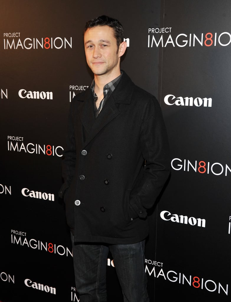 Joseph Gordon-Levitt walked the carpet solo before meeting up with Bryce.