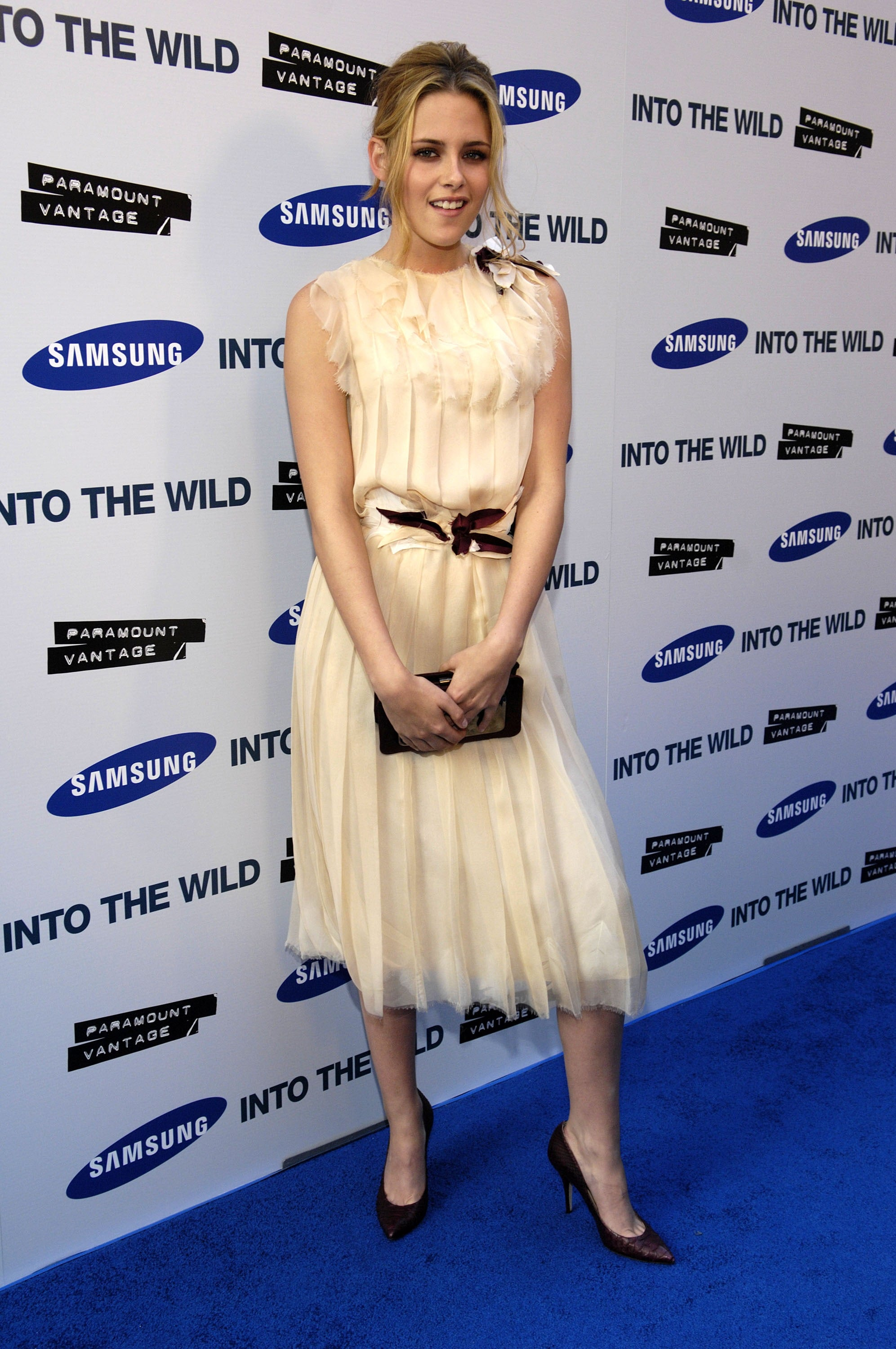 We love the demure hem and ladylike lace of the tea-time-ready creation Stewart chose for the LA premiere of Into the Wild in 2007.