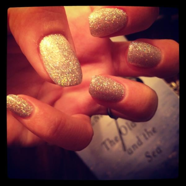 Lily Cooper (née Allen) got herself some glitter Shellac nails, and by the looks of things, loved them!