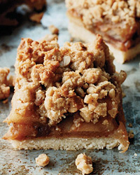 Take Apple Pie Bars on a Spring Picnic