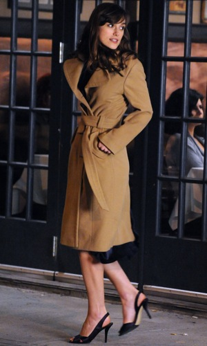 Keira Knightley Wearing Camel Trench Coat on the Set of Last Night