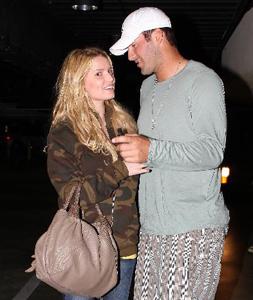Jessica Simpson and Tony Romo Break Up 2008-05-13 16:18:59