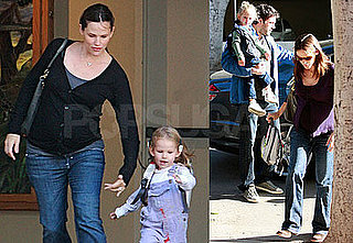 Photos of Jennifer Garner Picking Up Violet Affleck From School 2008-10-10 14:00:54