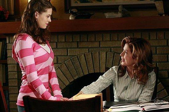 """Desperate Housewives Recap: Episode 13, """"Hello, Little Girl"""""""