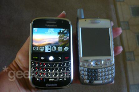 My Sis Learns the BlackBerry Bold Basics