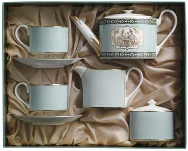 YumSugar Gift Guide: The Tea Aficionado Grandma
