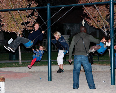 The Klum Samuel Crew Is Just a Swingin'