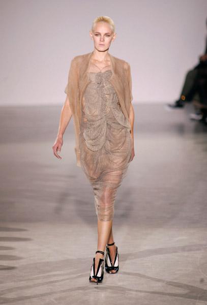 Paris Fashion Week: Sharon Wauchob Spring 2009