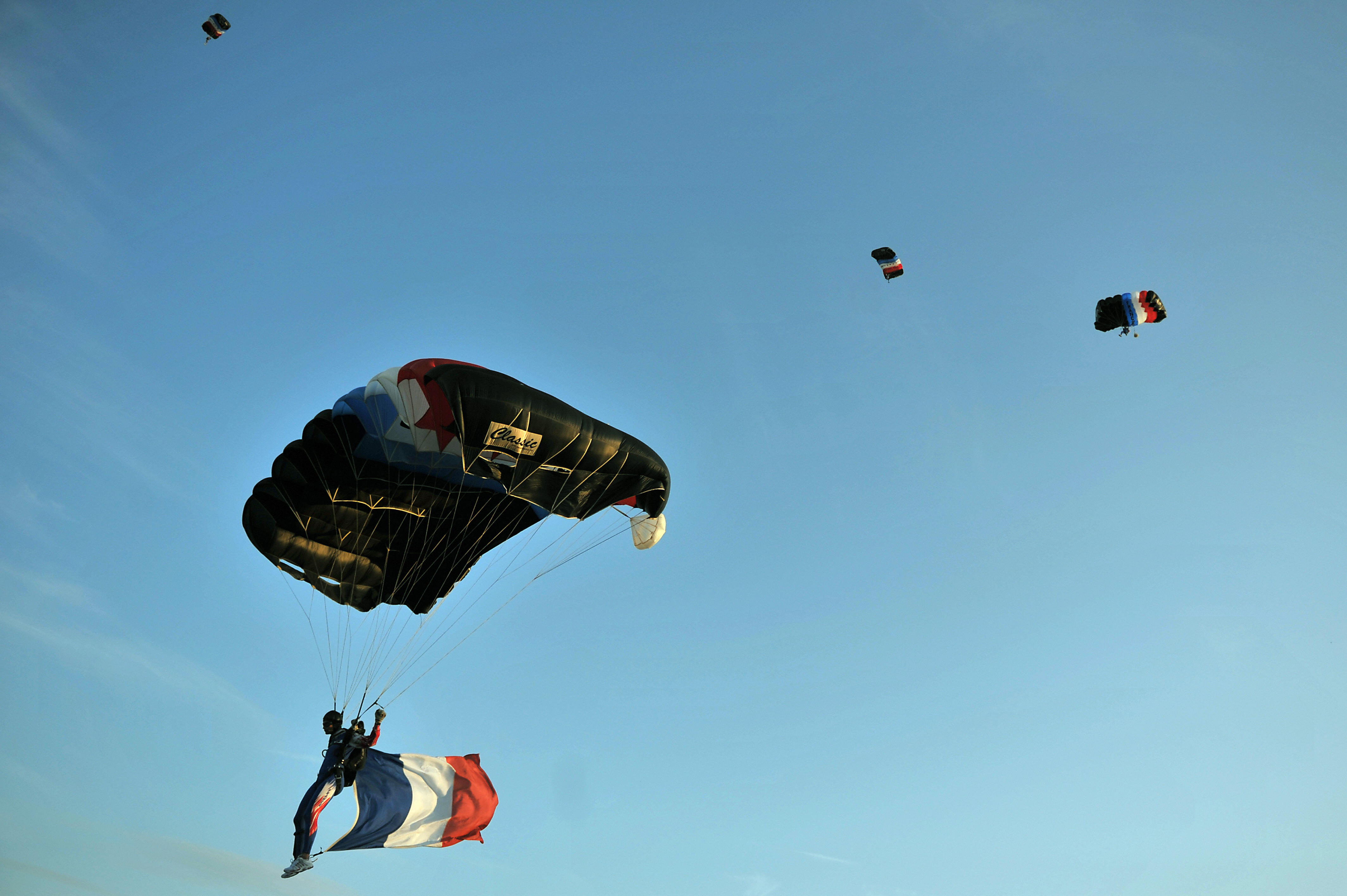 French Army paratroopers.